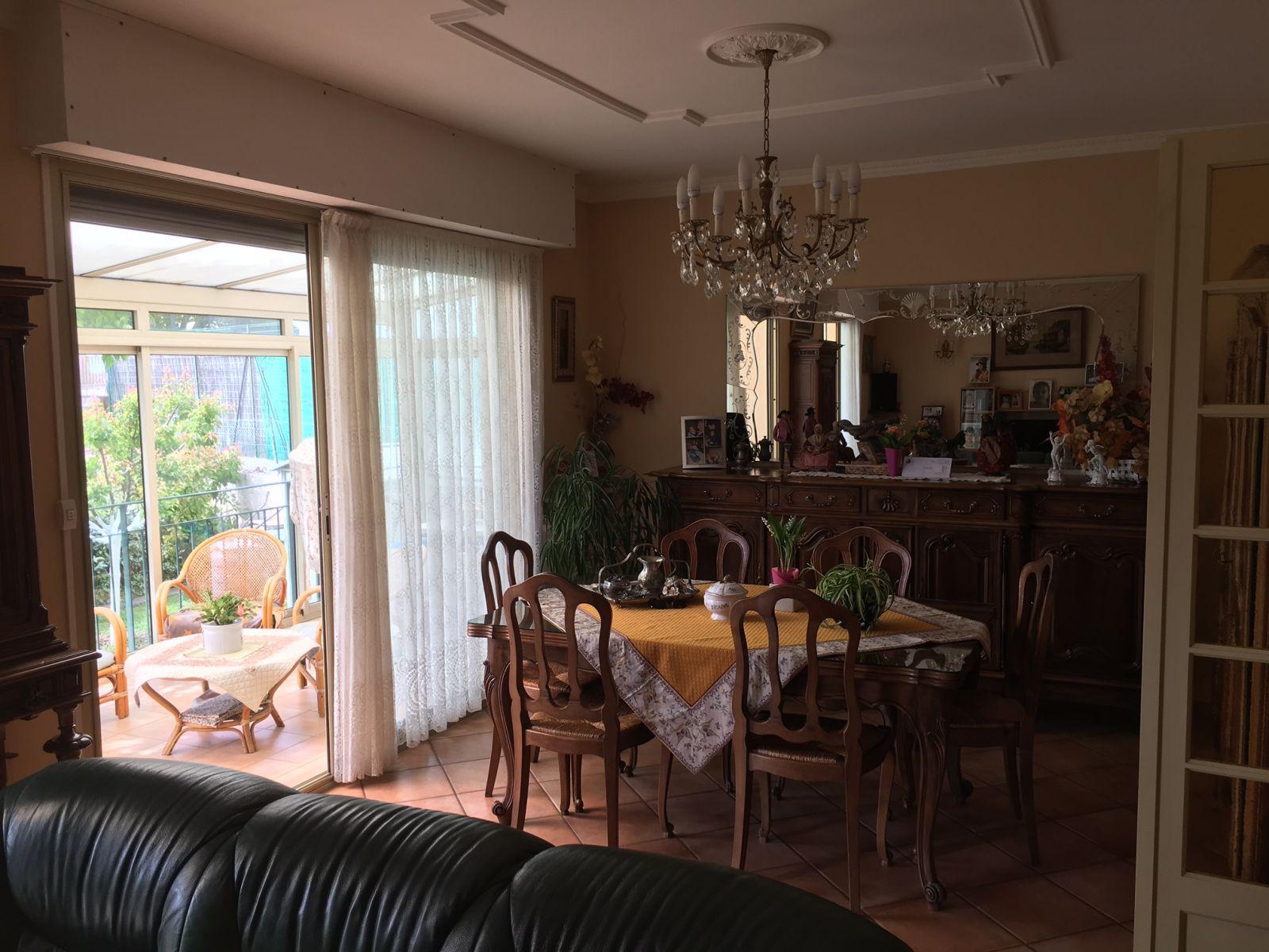 Maison pavillonnaire allauch le colombier viager occupe for Maison allauch
