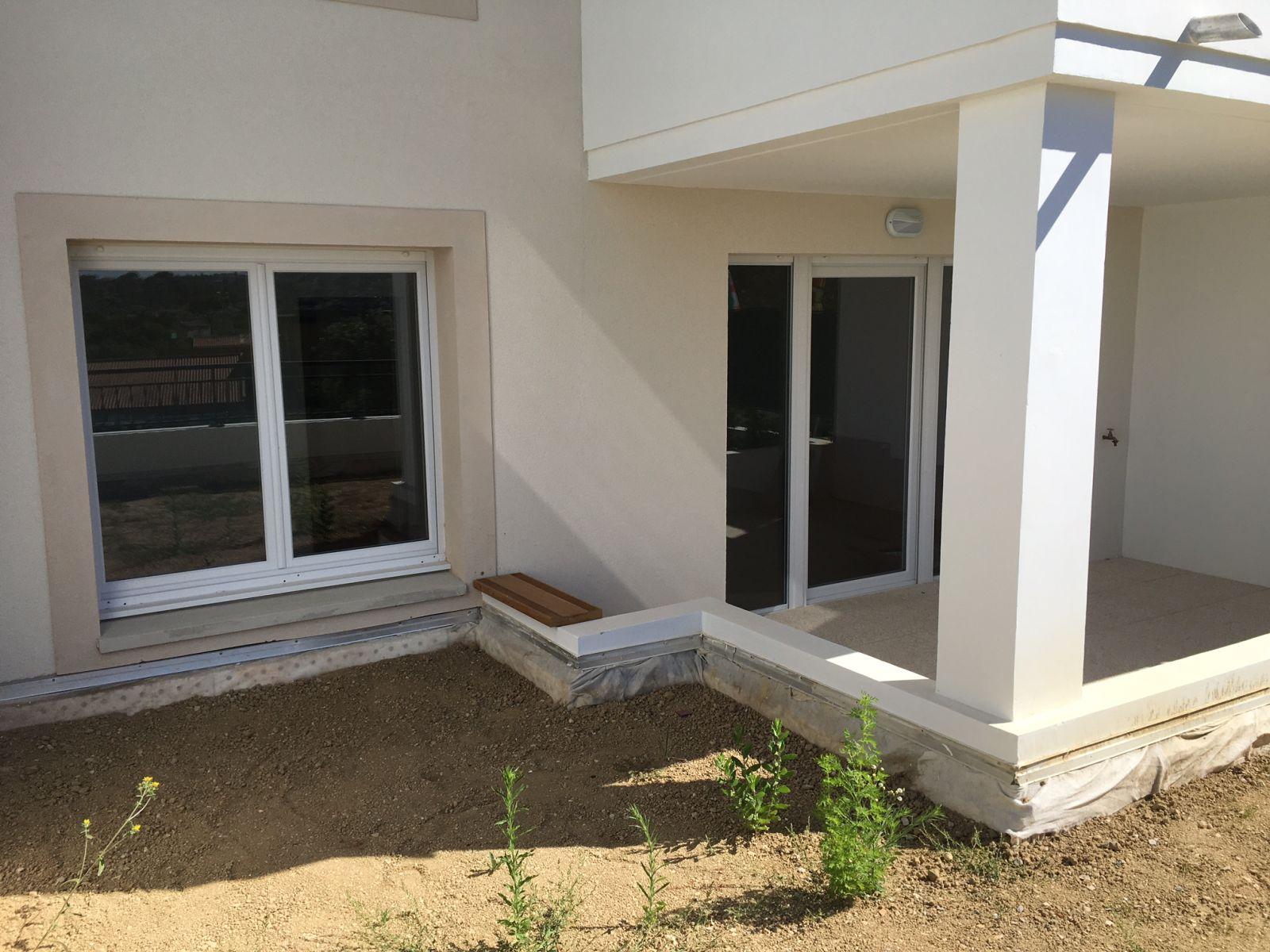 t2 neuf rez de jardin avec garage plan de cuques transactions immobili res plan de cuques