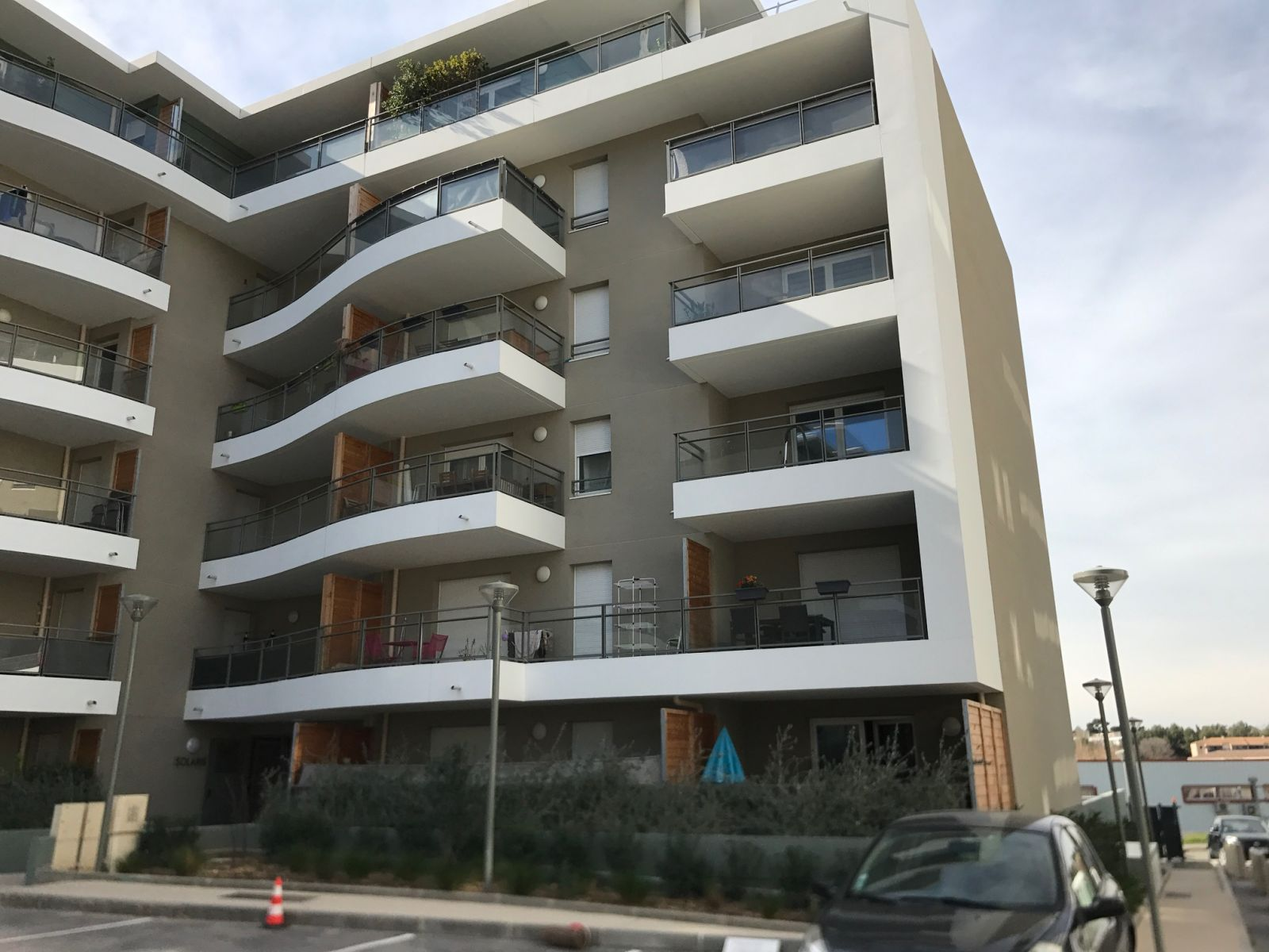 appartement t4 neuf avec grande terrasse marseille 12 les. Black Bedroom Furniture Sets. Home Design Ideas